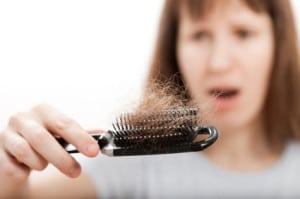 Comment bien entretenir ses cheveux