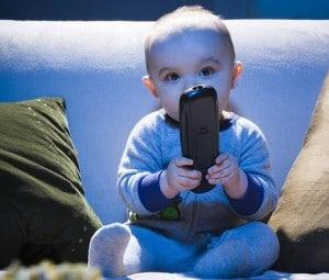 Bébé et la télévision : Danger ?